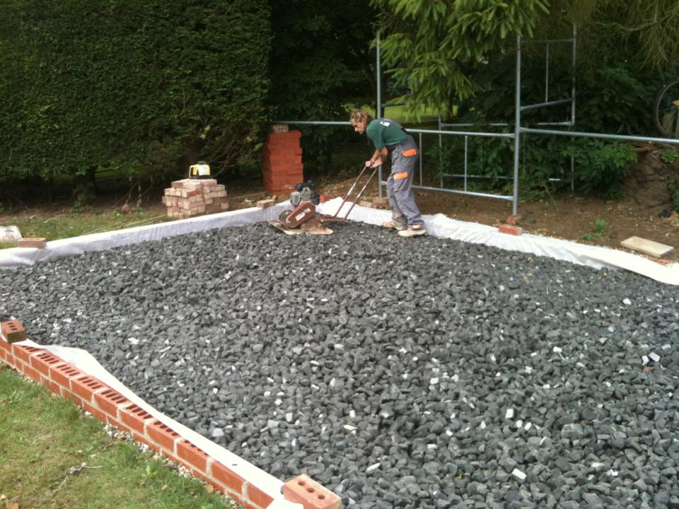 Recycled foamed glass base